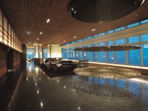 서울 초고층서 최고급 호텔 서비스 누려