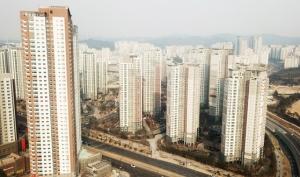 """""""전세보증금 못줘"""" 주택 57채 경매 부친 집주인의 '꼼수'"""